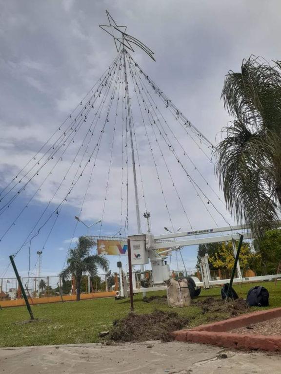 Villa Ángela: invitan al encendido de las luces del árbol gigante de navidad