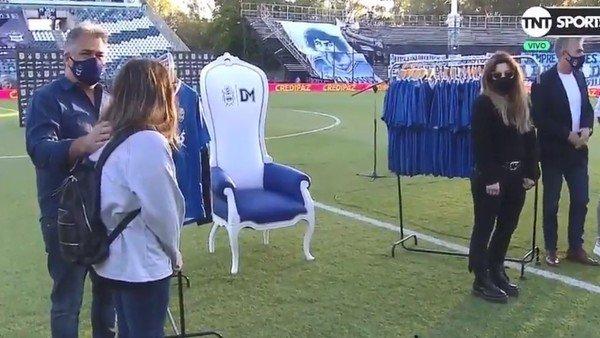 Dalma y Gianinna estuvieron en La Plata en un emotivo homenaje del último equipo de Diego Maradona