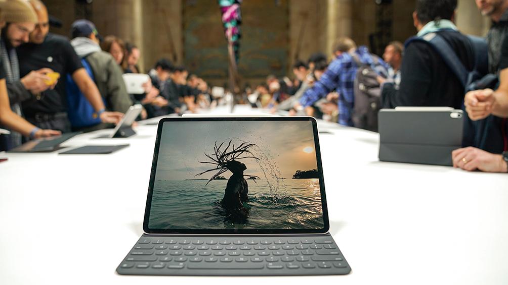 apple-presento-una-tablet-orientada-al-uso-avanzado,-una-desktop-y-una-notebook