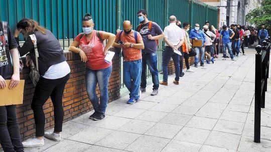 """la-oit-advirtio-por-la-crisis-de-empleo-en-america-latina:-""""es-una-bomba-de-tiempo"""""""