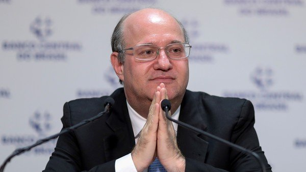 el-fondo-monetario-internacional-nombro-a-un-ex-jefe-del-banco-central-brasileno-para-que-supervise-la-negociacion-con-la-argentina